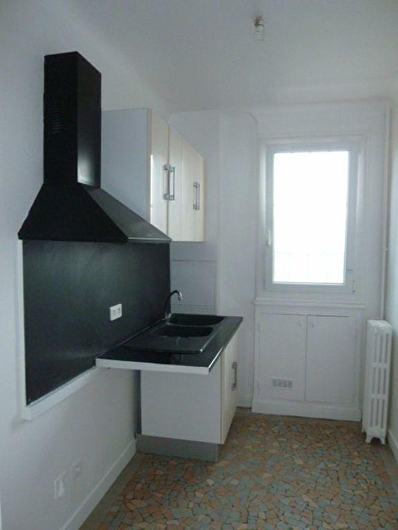 Appartement à louer 3 62.14m2 à Saint-Ouen vignette-4