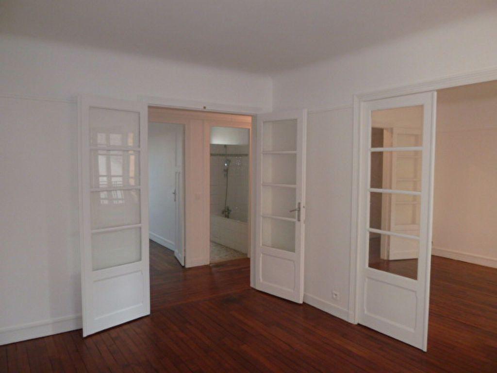 Appartement à louer 3 62.14m2 à Saint-Ouen vignette-7