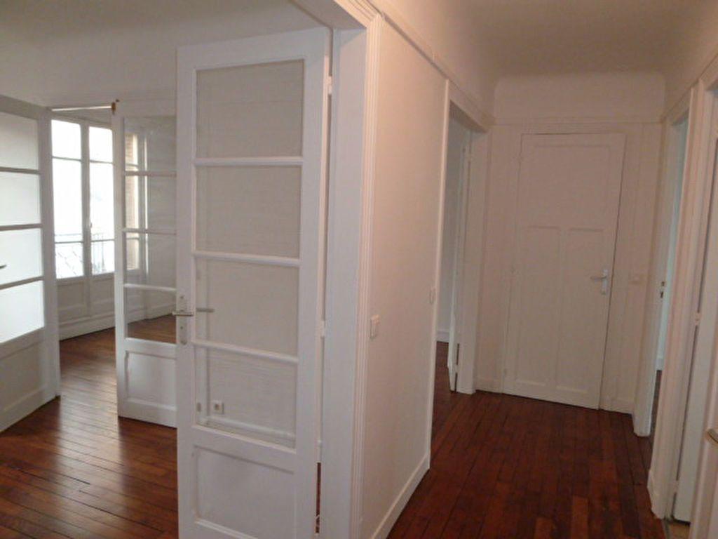Appartement à louer 3 62.14m2 à Saint-Ouen vignette-8