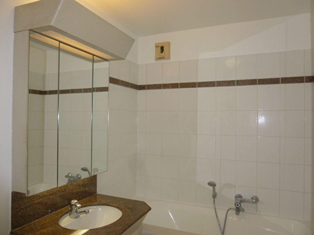 Appartement à louer 2 42m2 à Issy-les-Moulineaux vignette-4