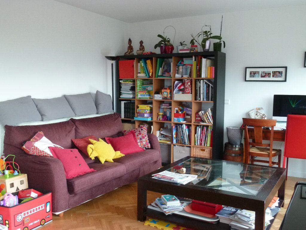 Appartement à louer 5 110.52m2 à Issy-les-Moulineaux vignette-1