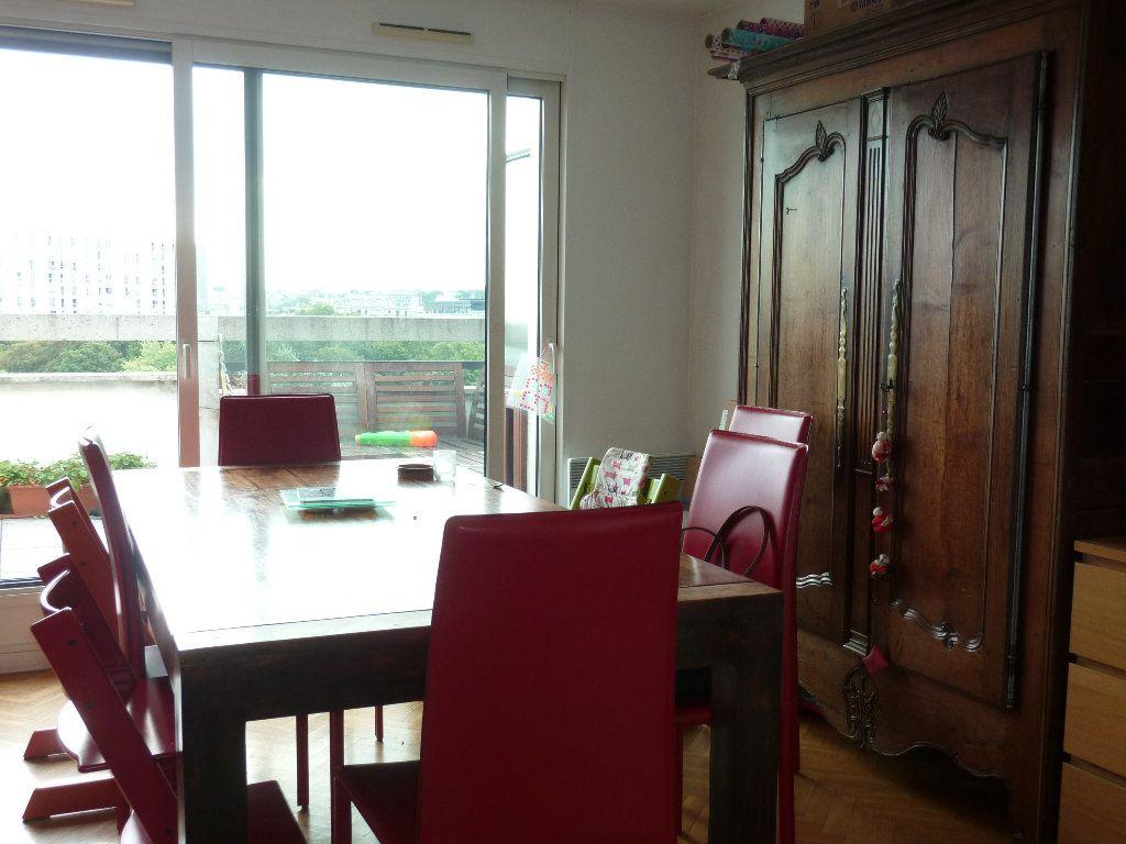 Appartement à louer 5 110.52m2 à Issy-les-Moulineaux vignette-2