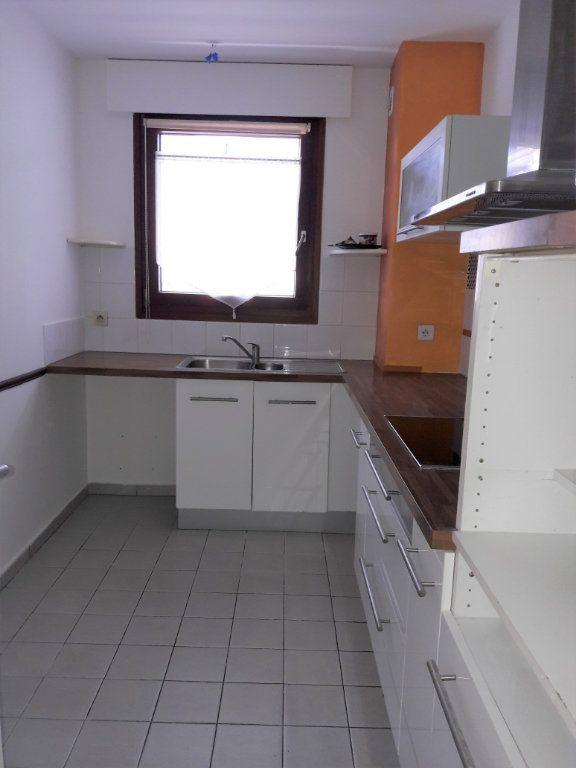 Appartement à louer 3 71.5m2 à Issy-les-Moulineaux vignette-3