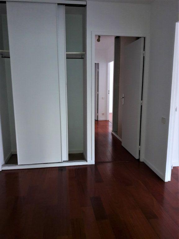 Appartement à louer 3 71.5m2 à Issy-les-Moulineaux vignette-4