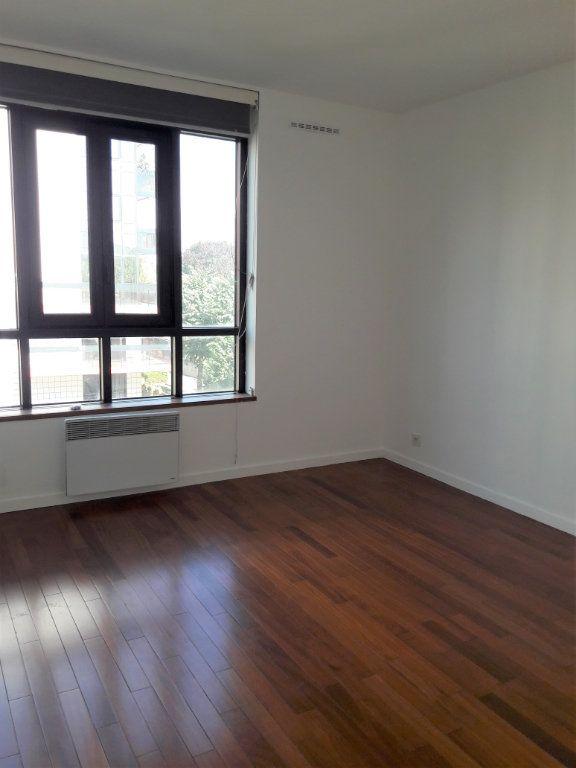 Appartement à louer 3 71.5m2 à Issy-les-Moulineaux vignette-5