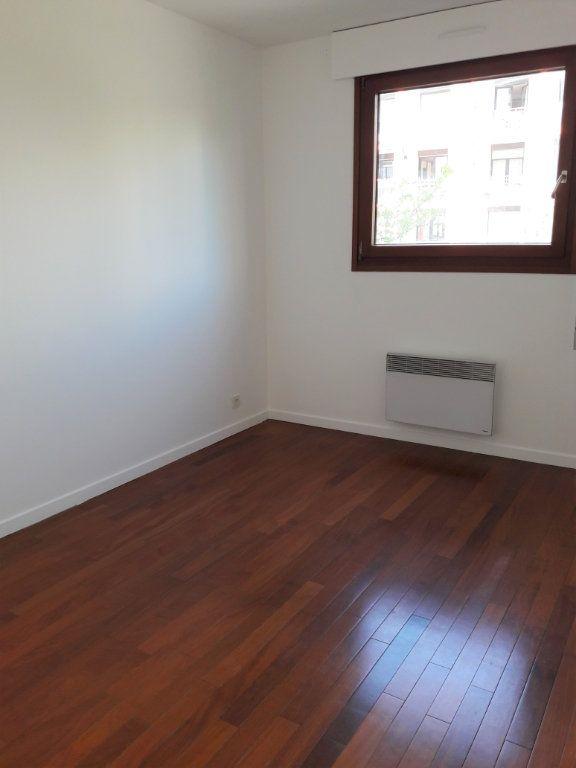 Appartement à louer 3 71.5m2 à Issy-les-Moulineaux vignette-6