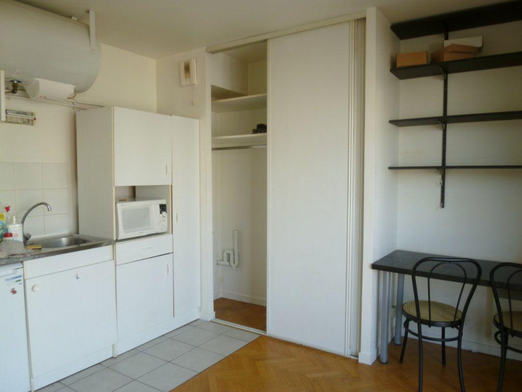 Appartement à louer 1 19.31m2 à Issy-les-Moulineaux vignette-1