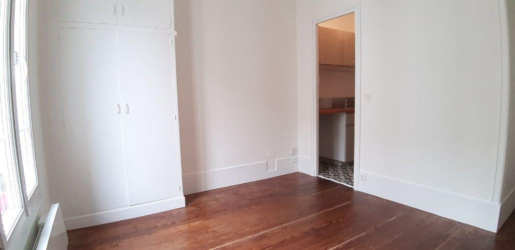 Appartement à louer 1 18.54m2 à Issy-les-Moulineaux vignette-2