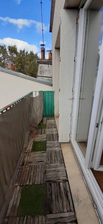 Appartement à louer 3 51m2 à Issy-les-Moulineaux vignette-4