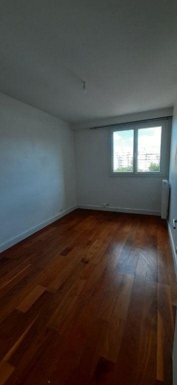 Appartement à louer 3 51m2 à Issy-les-Moulineaux vignette-6