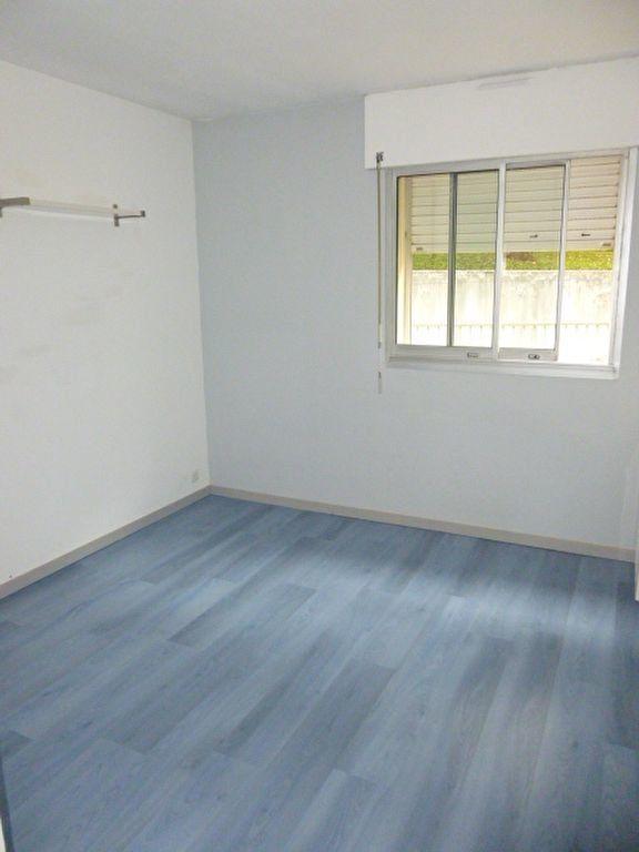 Appartement à louer 4 79m2 à Issy-les-Moulineaux vignette-6