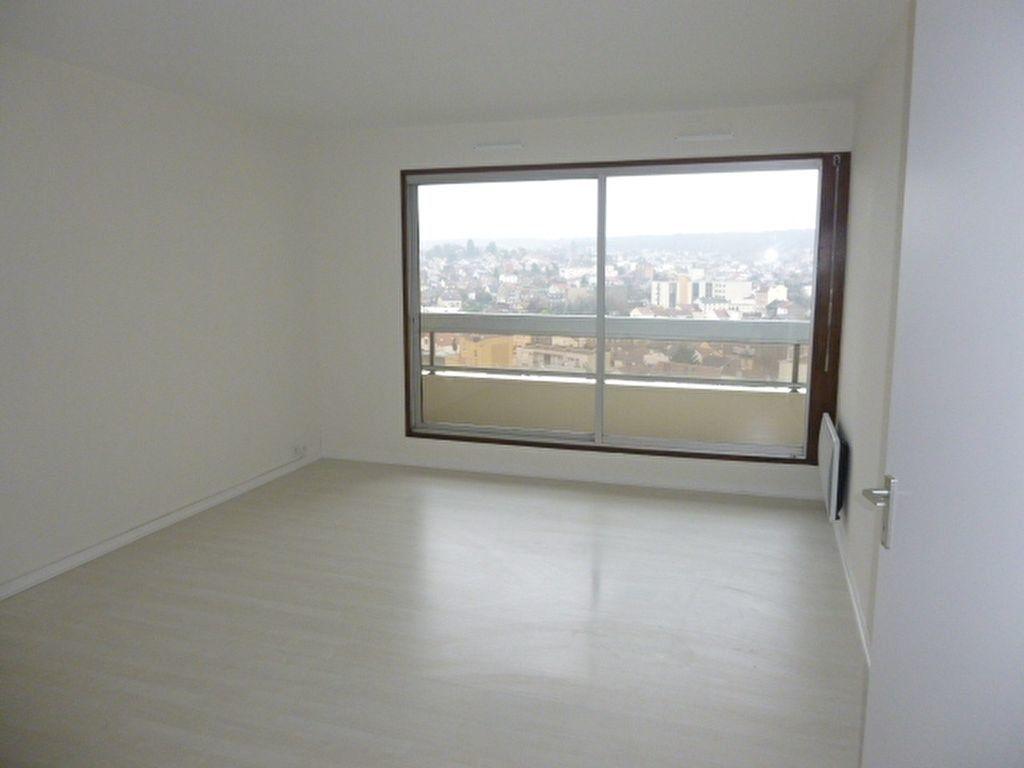 Appartement à louer 3 64.43m2 à Issy-les-Moulineaux vignette-1