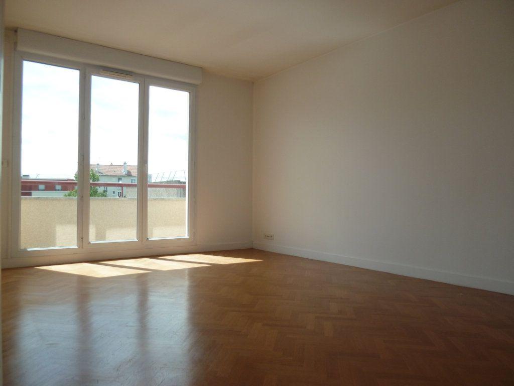 Appartement à louer 2 43.08m2 à Issy-les-Moulineaux vignette-1