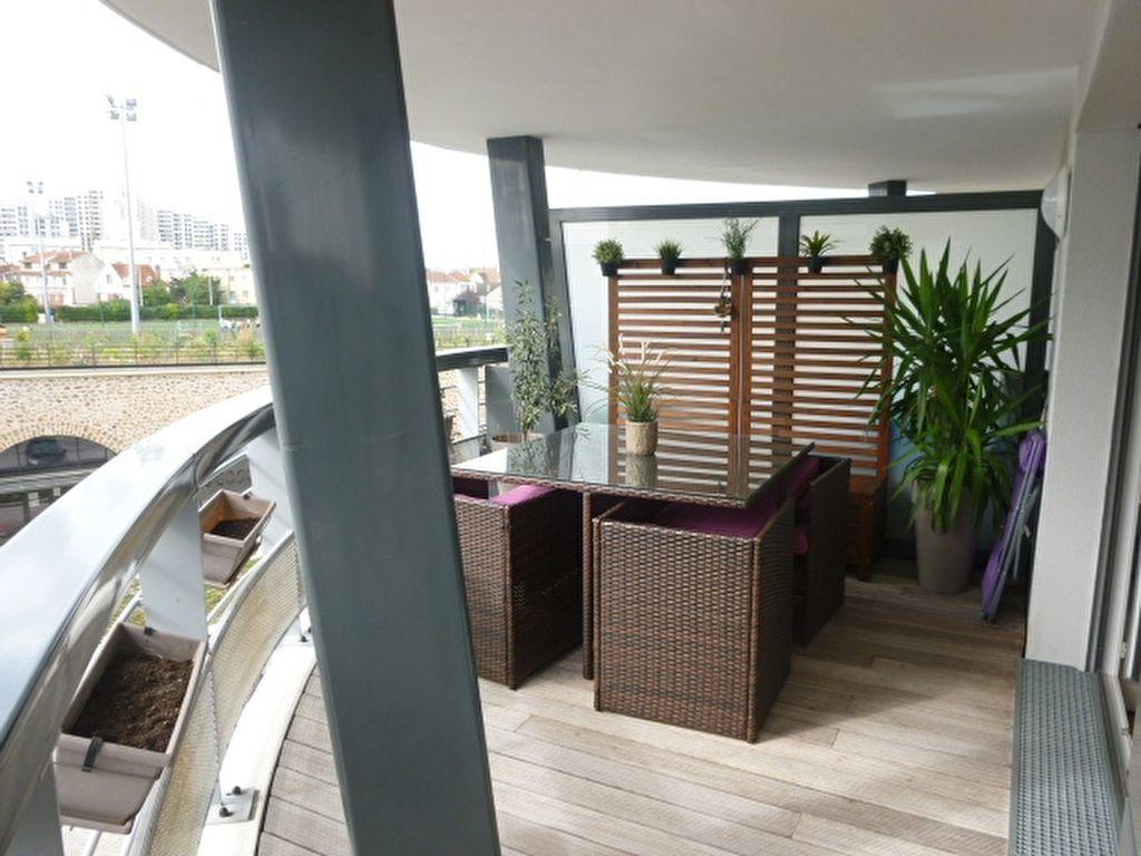 Appartement à louer 3 69.9m2 à Issy-les-Moulineaux vignette-3