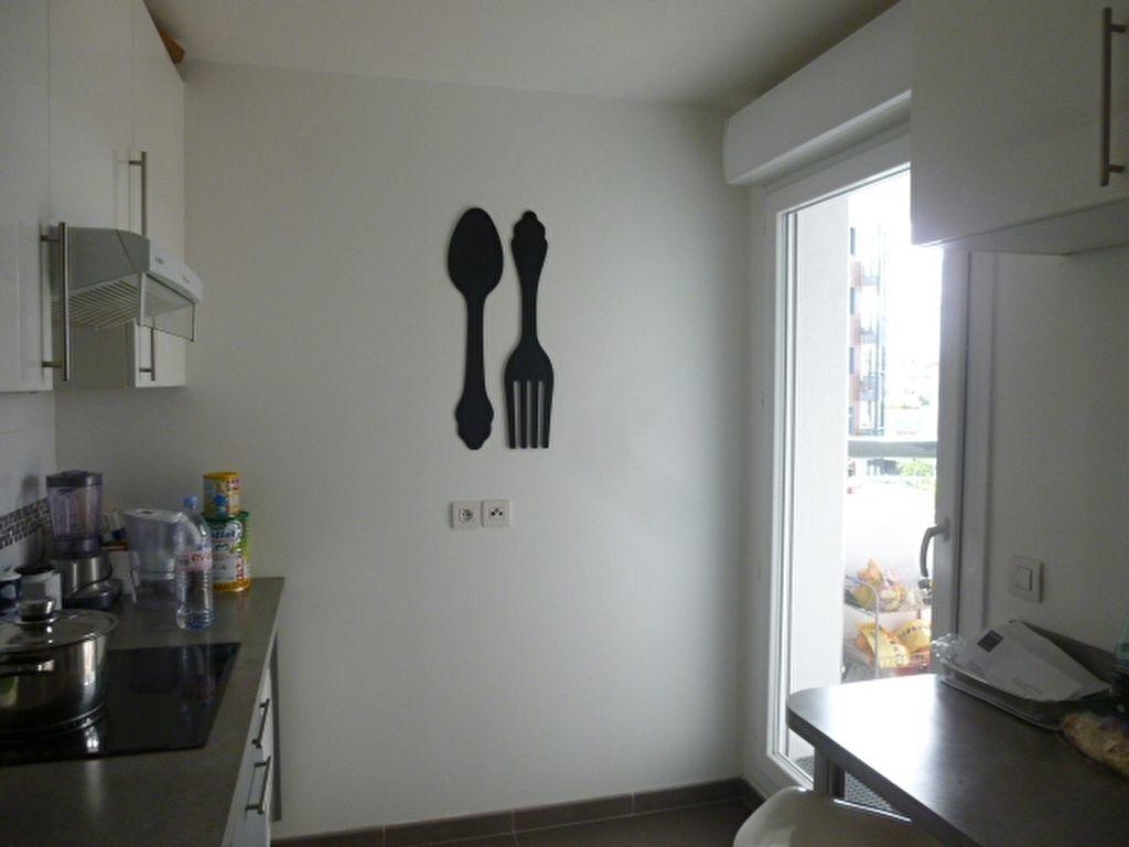 Appartement à louer 3 69.9m2 à Issy-les-Moulineaux vignette-7