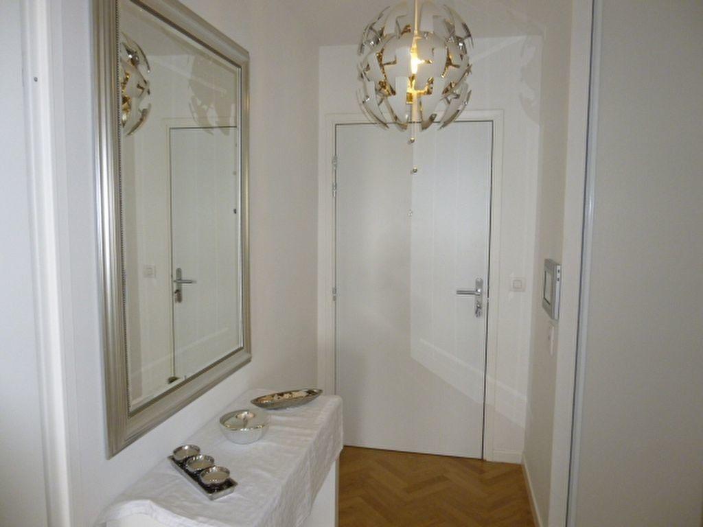 Appartement à louer 3 69.9m2 à Issy-les-Moulineaux vignette-8