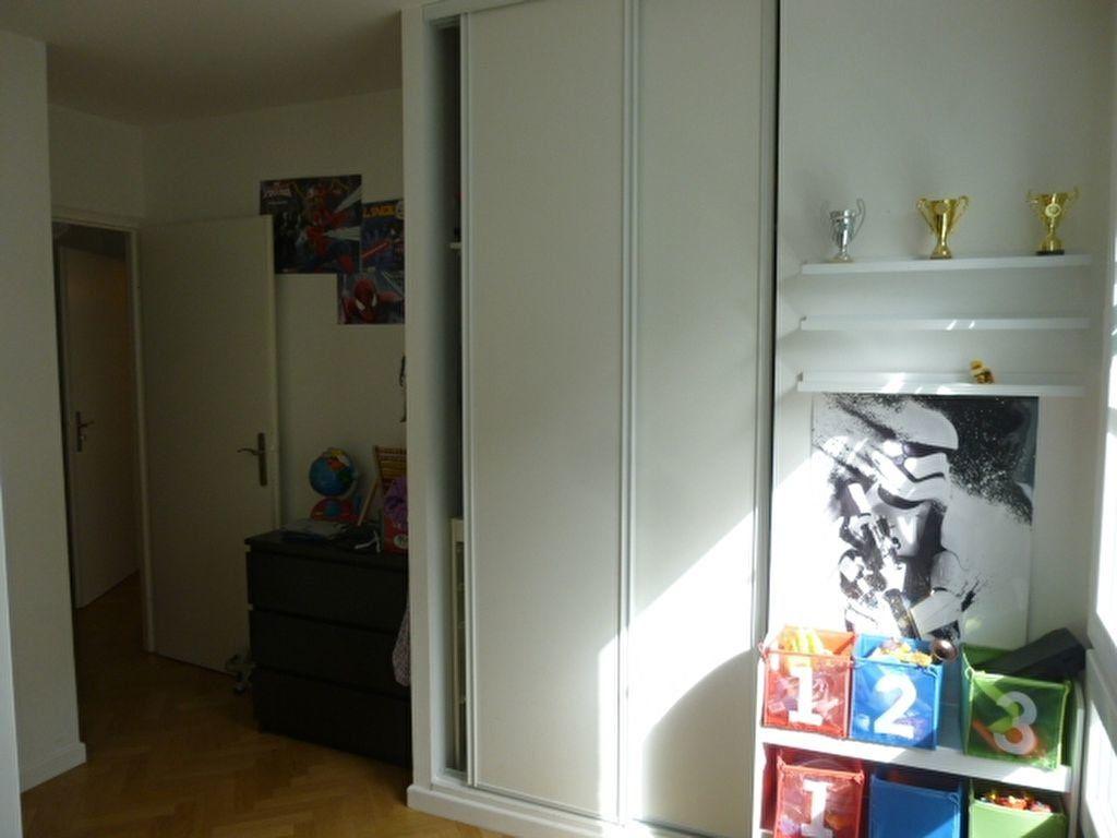 Appartement à louer 3 69.9m2 à Issy-les-Moulineaux vignette-10