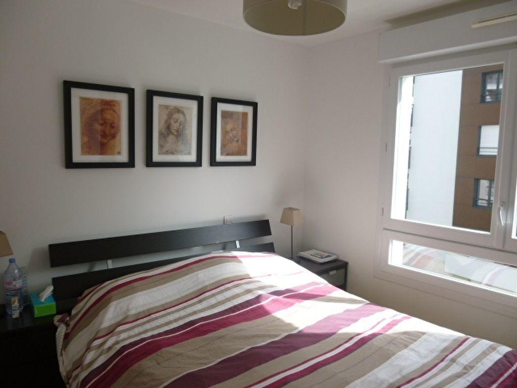 Appartement à louer 3 69.9m2 à Issy-les-Moulineaux vignette-14