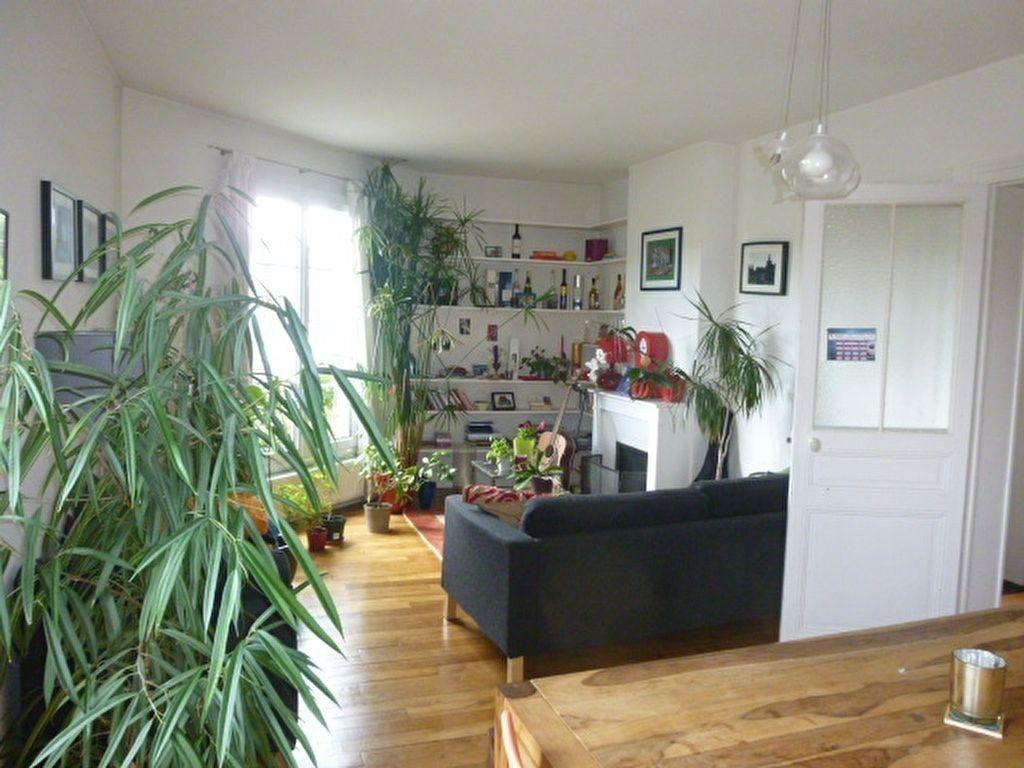 Appartement à louer 2 59m2 à Issy-les-Moulineaux vignette-1