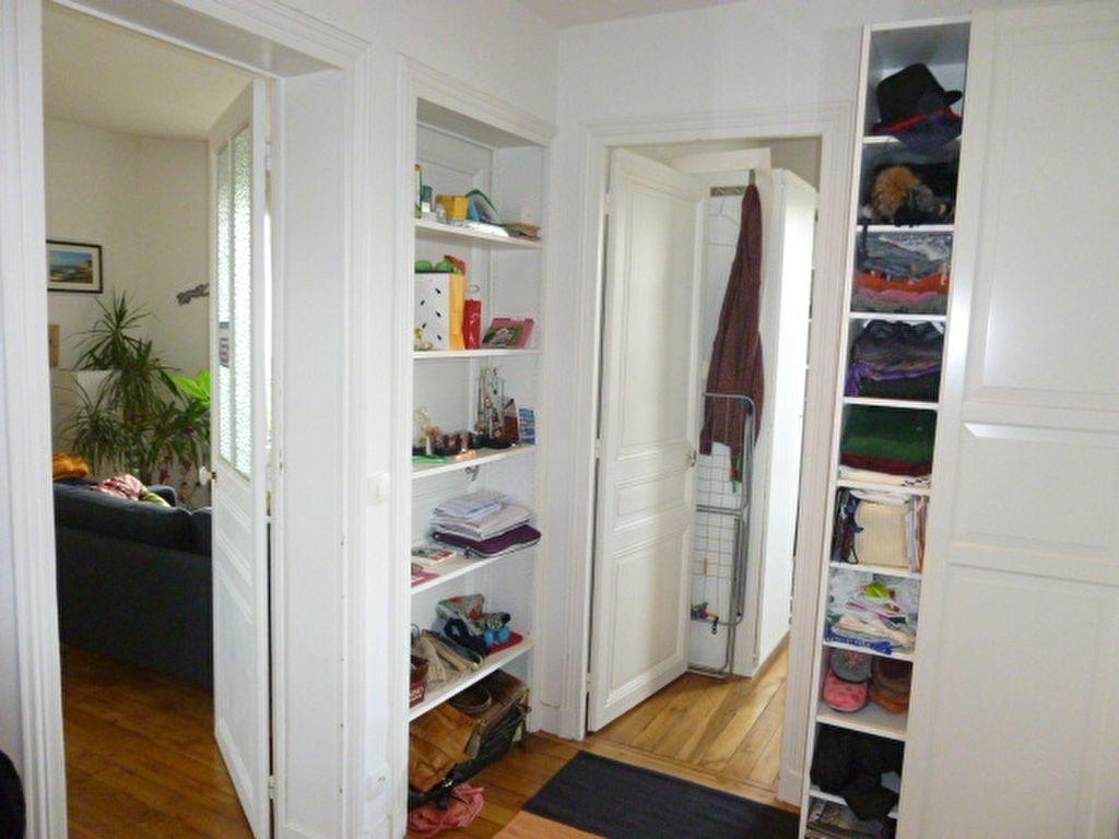 Appartement à louer 2 59m2 à Issy-les-Moulineaux vignette-4