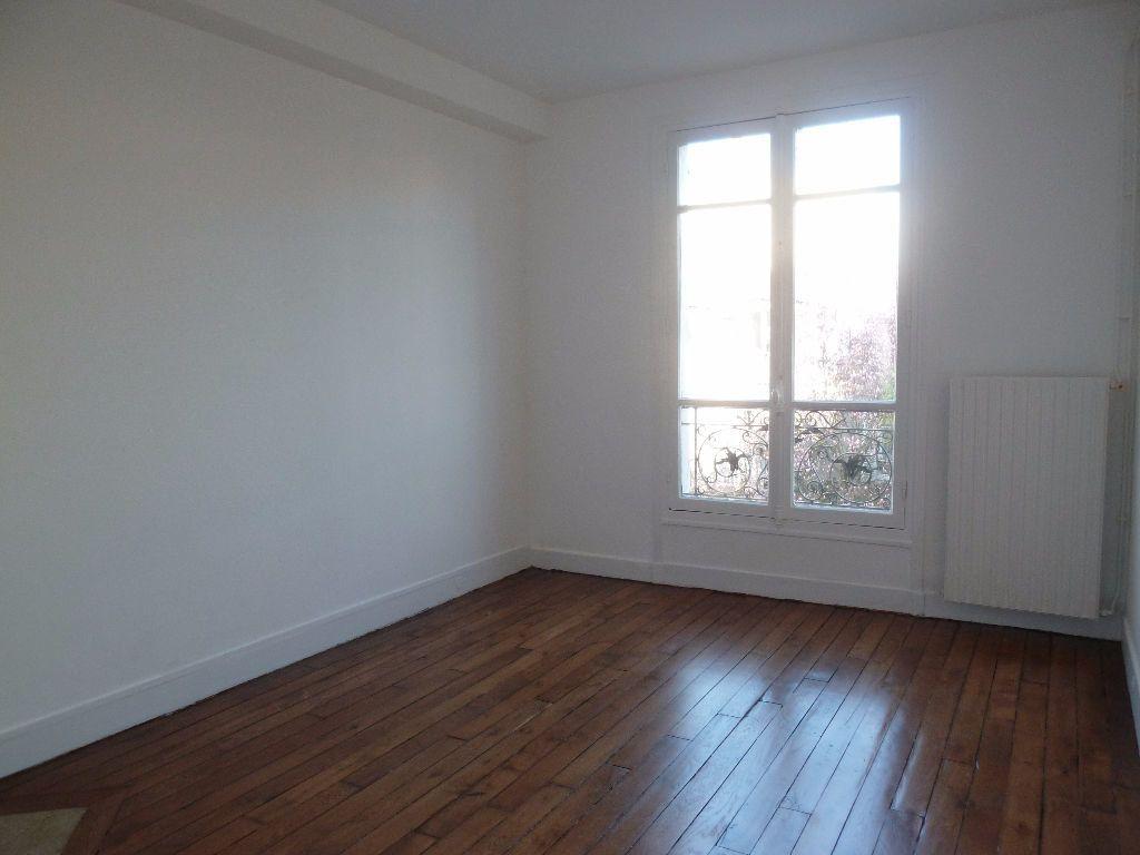 Appartement à louer 2 39.47m2 à Issy-les-Moulineaux vignette-2