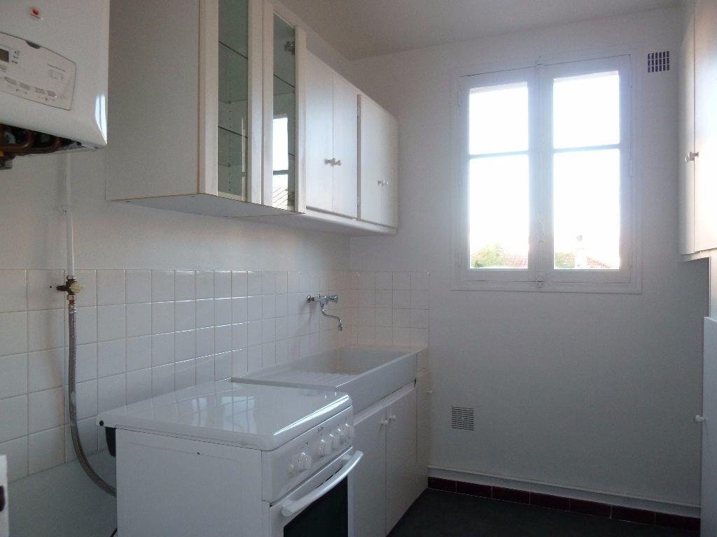 Appartement à louer 2 39.47m2 à Issy-les-Moulineaux vignette-3