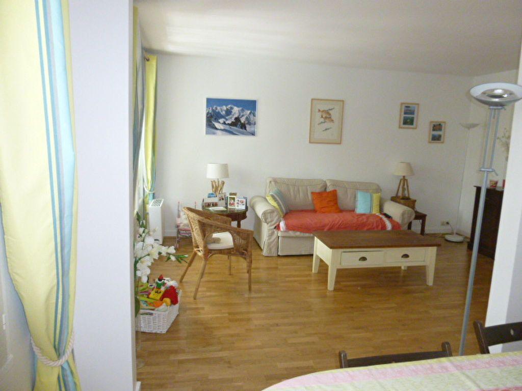 Appartement à louer 3 74.58m2 à Issy-les-Moulineaux vignette-2