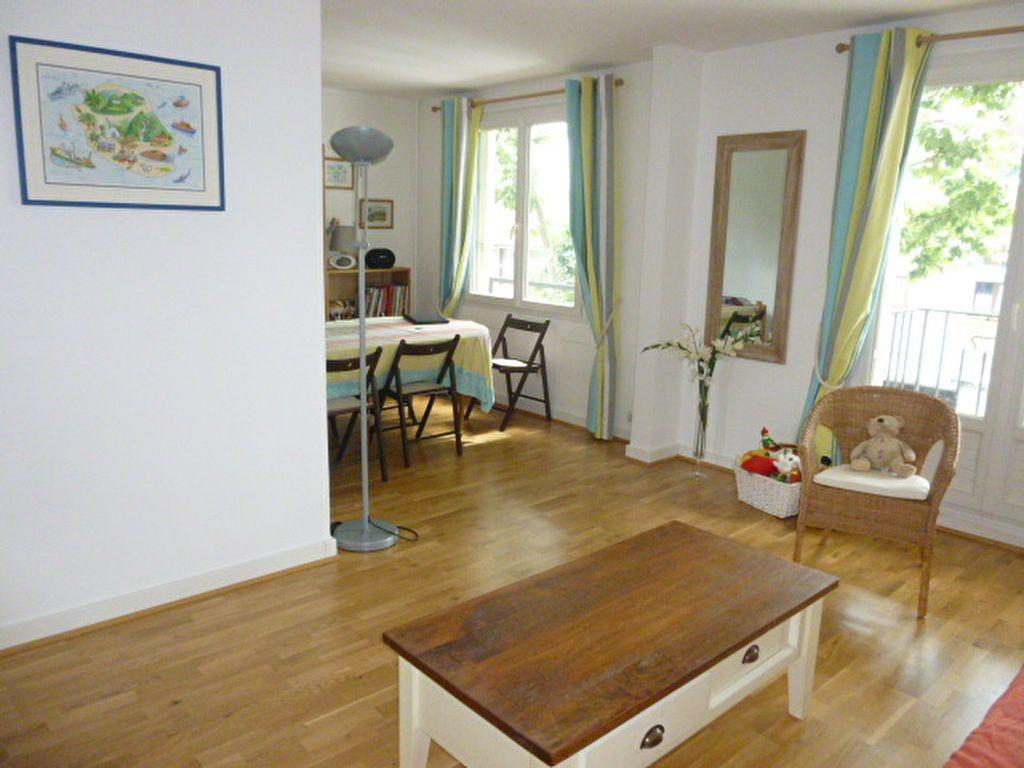 Appartement à louer 3 74.58m2 à Issy-les-Moulineaux vignette-3