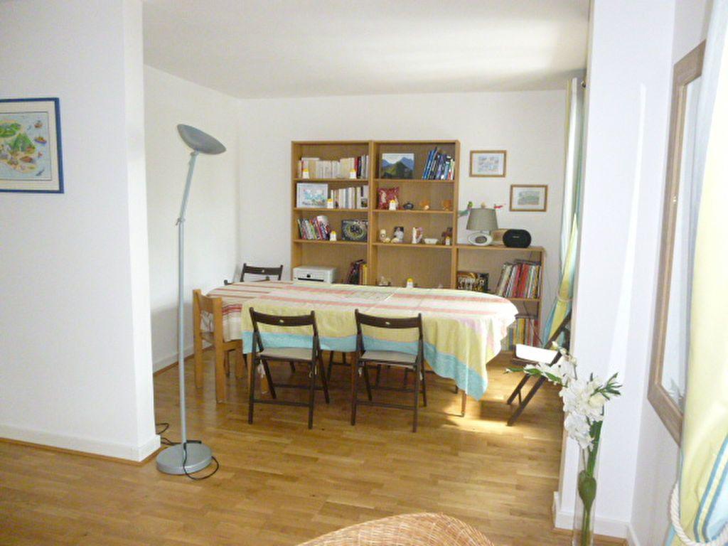 Appartement à louer 3 74.58m2 à Issy-les-Moulineaux vignette-4