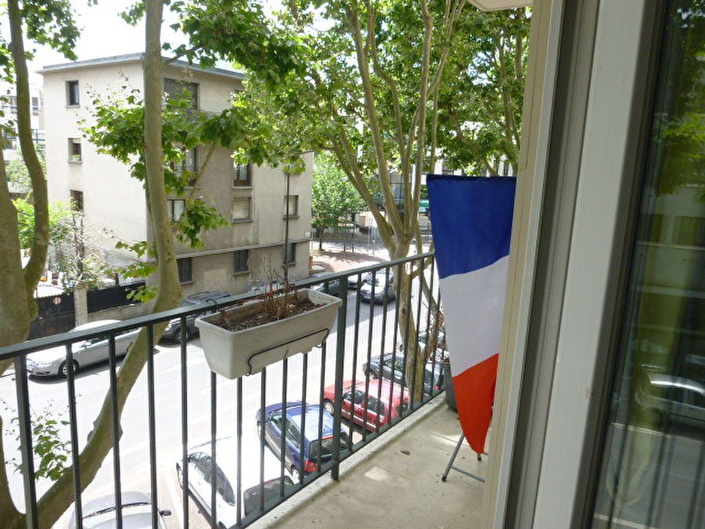 Appartement à louer 3 74.58m2 à Issy-les-Moulineaux vignette-11