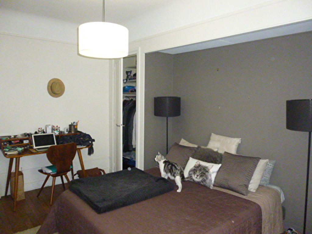 Appartement à louer 2 46m2 à Paris 15 vignette-4