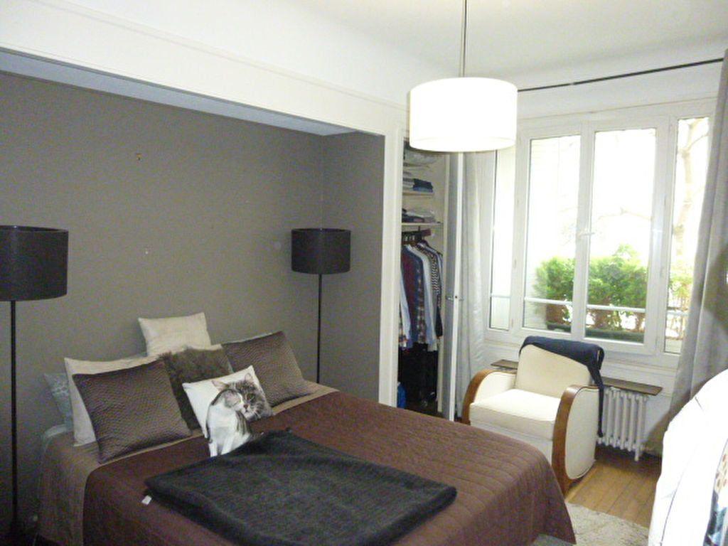 Appartement à louer 2 46m2 à Paris 15 vignette-5
