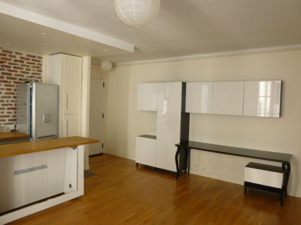Appartement à louer 2 49.63m2 à Issy-les-Moulineaux vignette-2