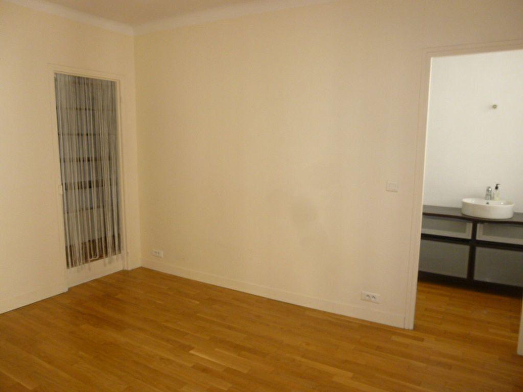Appartement à louer 2 49.63m2 à Issy-les-Moulineaux vignette-5