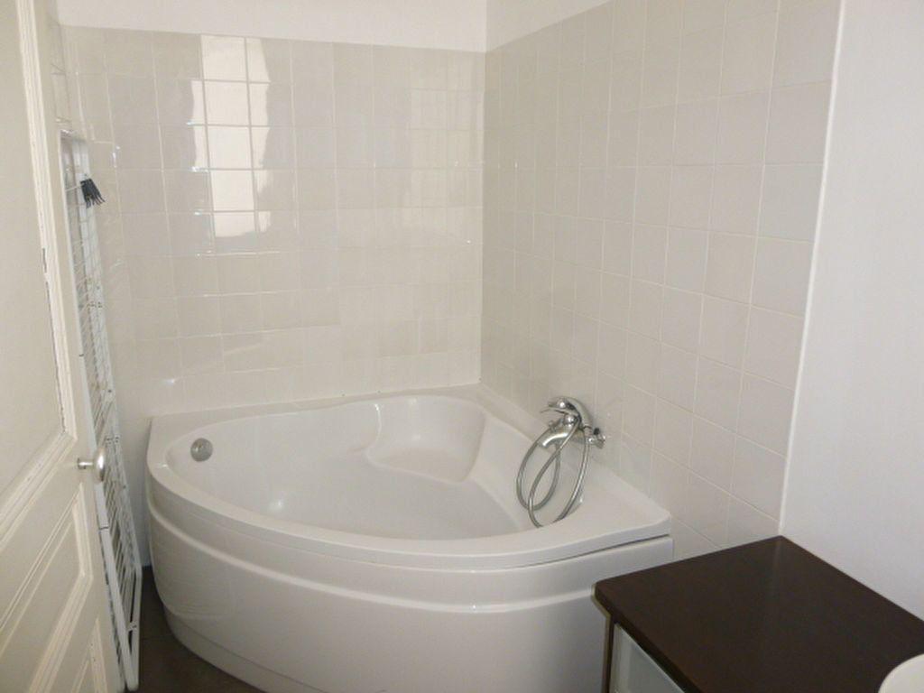Appartement à louer 2 49.63m2 à Issy-les-Moulineaux vignette-7