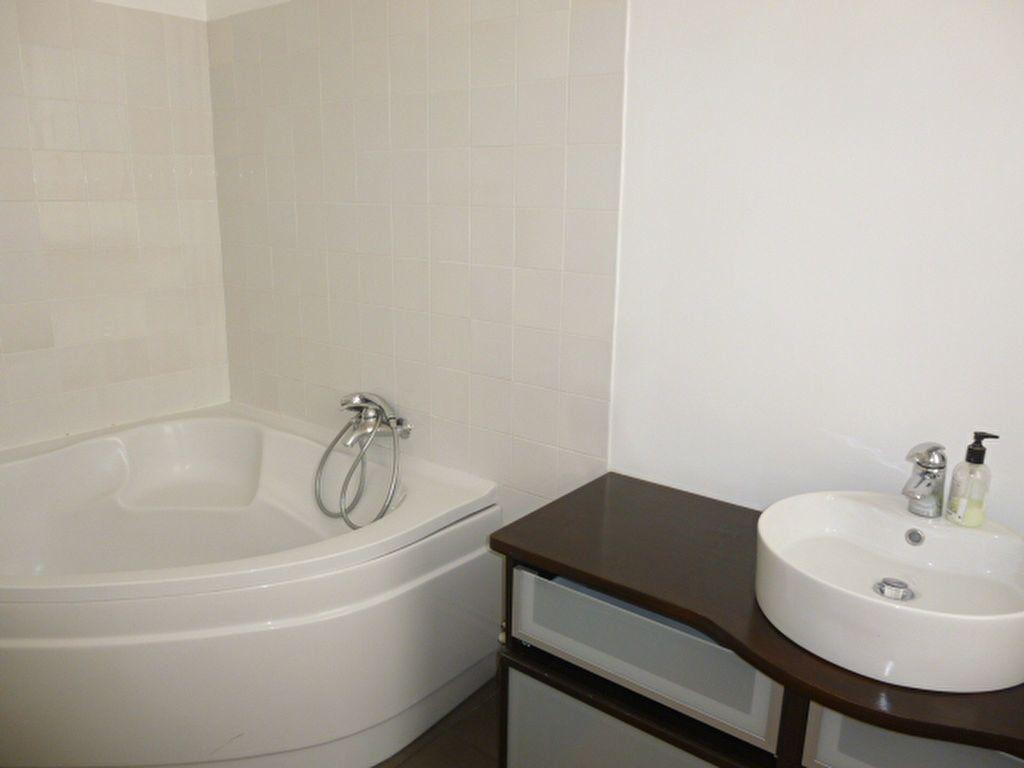 Appartement à louer 2 49.63m2 à Issy-les-Moulineaux vignette-8