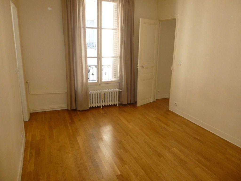 Appartement à louer 2 49.63m2 à Issy-les-Moulineaux vignette-9