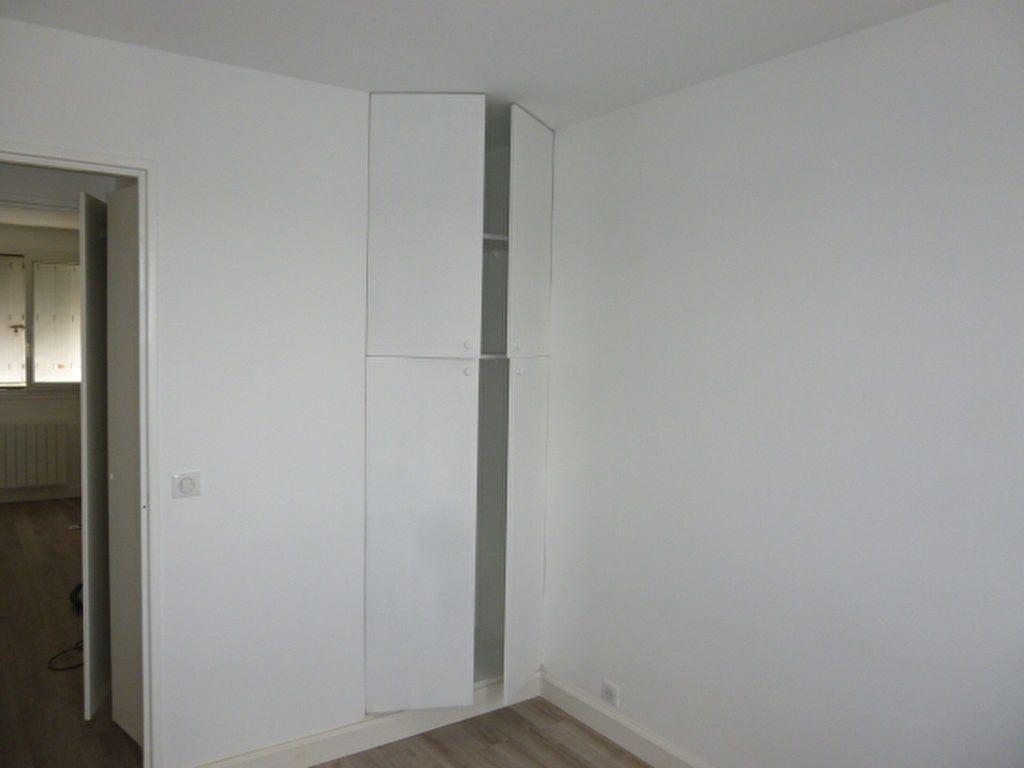 Appartement à louer 3 57.22m2 à Issy-les-Moulineaux vignette-3