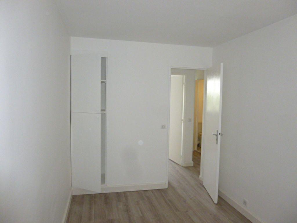 Appartement à louer 3 57.22m2 à Issy-les-Moulineaux vignette-4