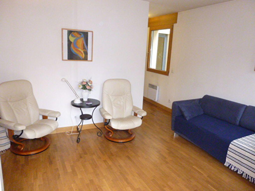 Appartement à louer 1 23.41m2 à Issy-les-Moulineaux vignette-3