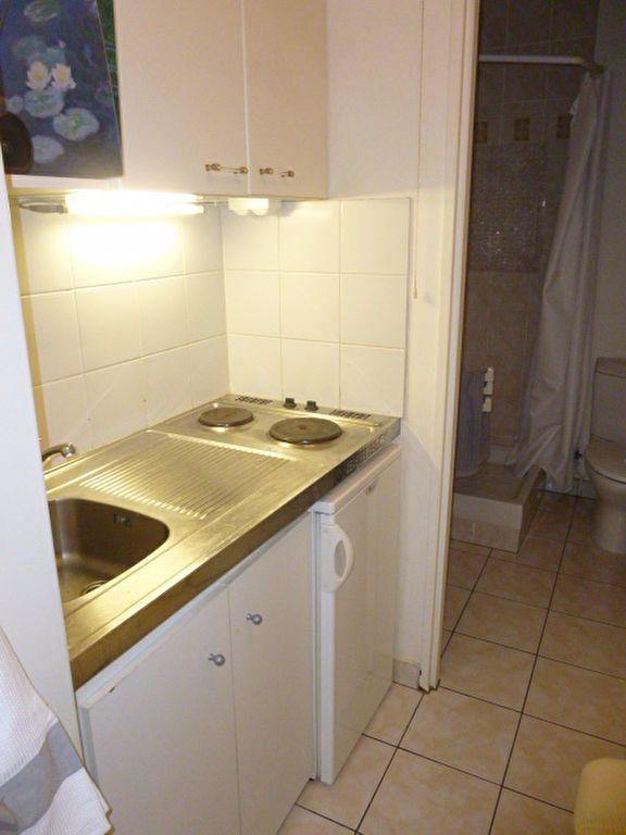 Appartement à louer 1 23.41m2 à Issy-les-Moulineaux vignette-4