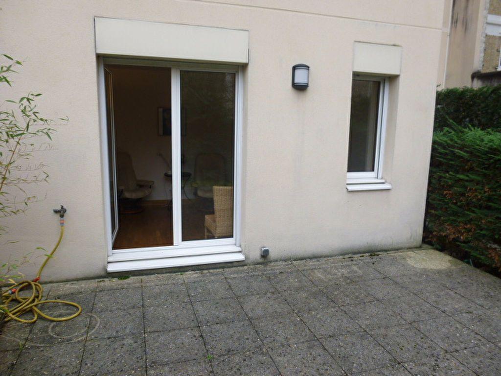 Appartement à louer 1 23.41m2 à Issy-les-Moulineaux vignette-6