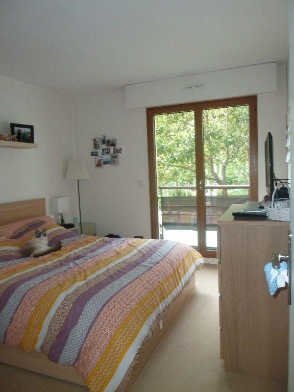 Appartement à louer 3 70.7m2 à Issy-les-Moulineaux vignette-4