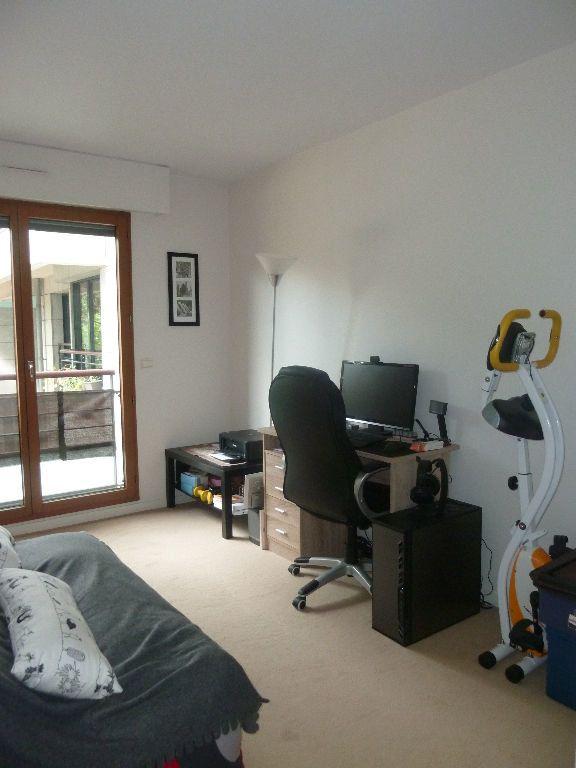 Appartement à louer 3 70.7m2 à Issy-les-Moulineaux vignette-5