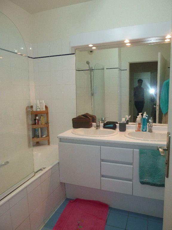 Appartement à louer 3 70.7m2 à Issy-les-Moulineaux vignette-6