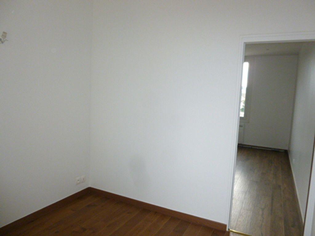 Appartement à louer 2 22.57m2 à Issy-les-Moulineaux vignette-5
