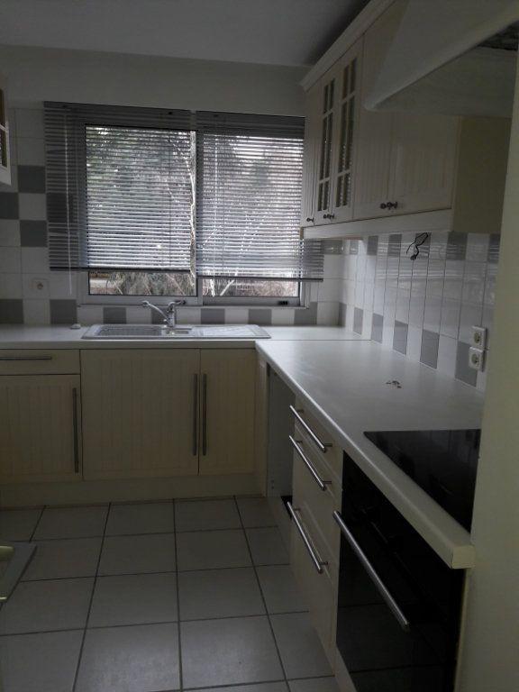 Appartement à louer 3 60.19m2 à Vanves vignette-1