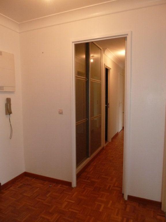 Appartement à louer 3 60.19m2 à Vanves vignette-4