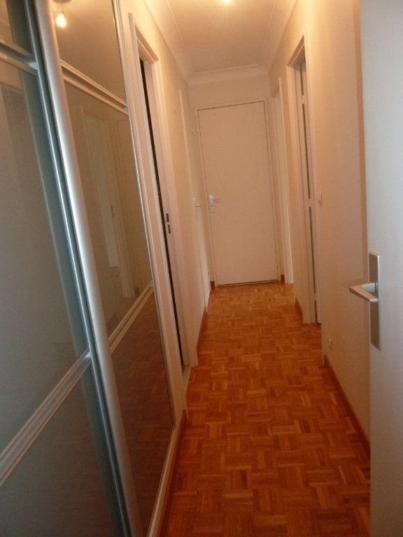 Appartement à louer 3 60.19m2 à Vanves vignette-5