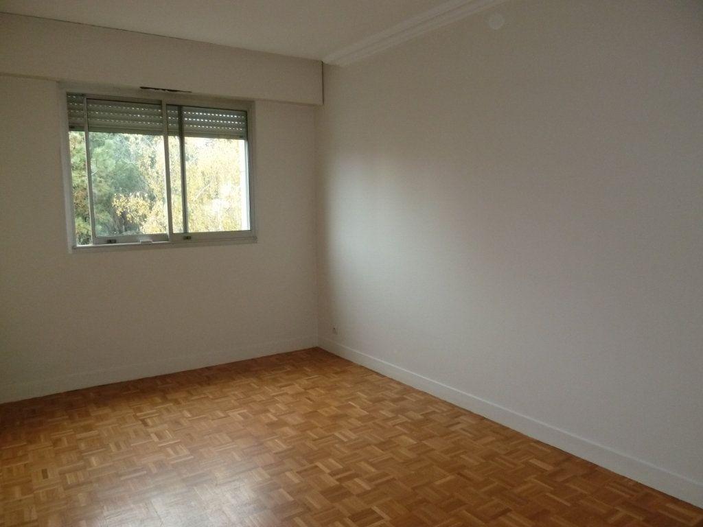 Appartement à louer 3 60.19m2 à Vanves vignette-7